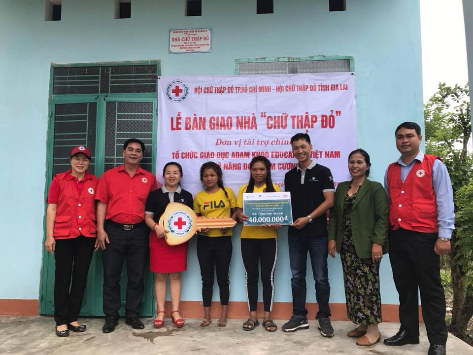 Bàn giao nhà từ thiện tại huyện Chư Pah, Gia Lai